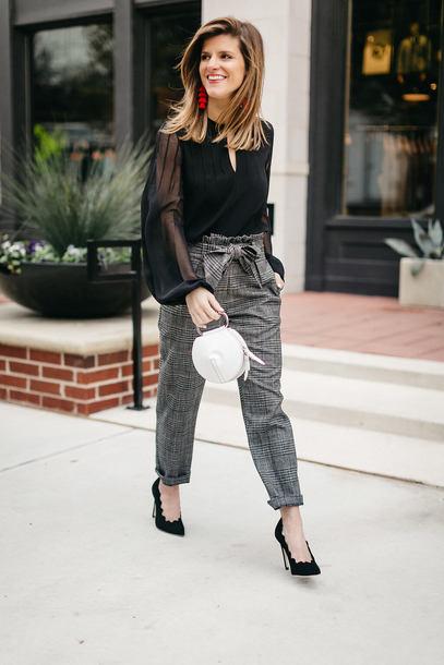 brighton the day blog | dallas fashion blog blogger pants blouse shoes bag jewels fall outfits black blouse grey pants pumps