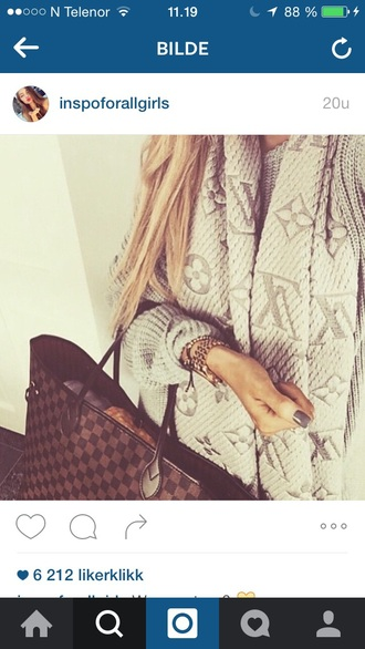 sweater bag girl girly girly wishlist outfit fall outfits scarf jewels jewelry accessories accessory
