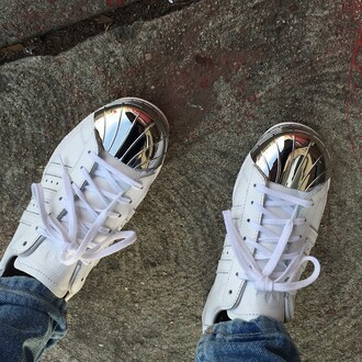 shoes adidas adidas shoes sneakers white shoes white sneakers footwear dope white adidas shoes off-white cute dope shoes trill trendy style jeans silver shoes silver silver adidas silver and white fashion cool