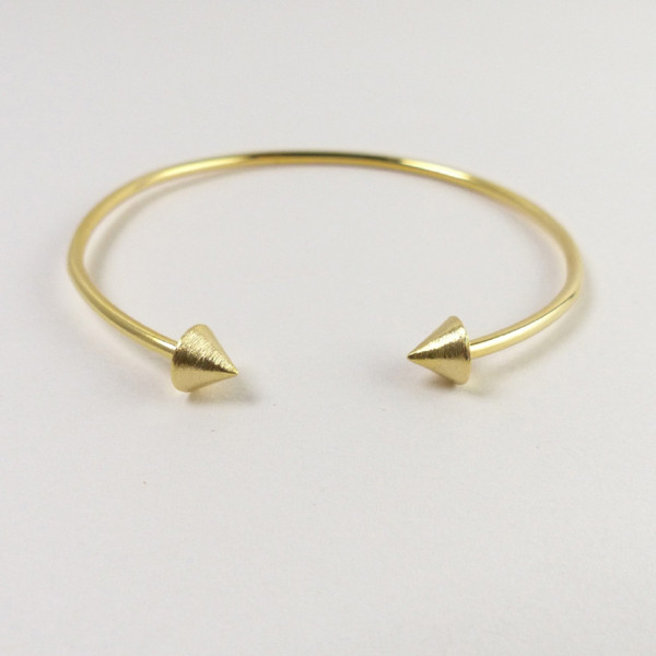 Arrow head open bangle bracelet