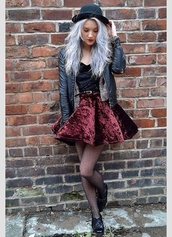 skirt,grunge,soft grunge,velvet,pastel hair,cute,like the hat,leather jacket,need in my life,top,jacket,hat