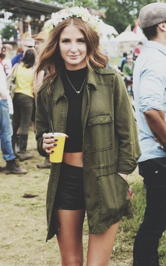 black crop top flower crown coachella festival green khaki boho trench coat boho chic green jacket army green jacket army green crop tops black nailpolish necklace t-shirt