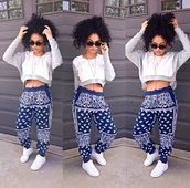 sweater,shirt,india westbrooks,india love,shoes,top,printed pants,blue pants,cropped sweater,white sweater,pants,blue,bandana print,harem pants,harem,jeans,sunglasses,pattern,sweats,cute,bandana,wauw,baggy pants,blouse,urban,clothes,bandanapants,bandana print joggers,sweatpants,bandana joggers blue,scarf