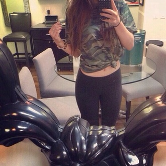 shirt kylie jenner pants camouflage camo shirt camouflage shirt t-shirt t-shirt camo tee shirt camo t shirt camouflage tee shirt camouflage t shirt kylie kendall and kylie jenner