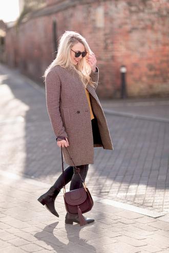 shoes tumblr boots black boots flat boots coat bag shoulder bag sunglasses winter outfits