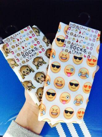 socks emoji socks