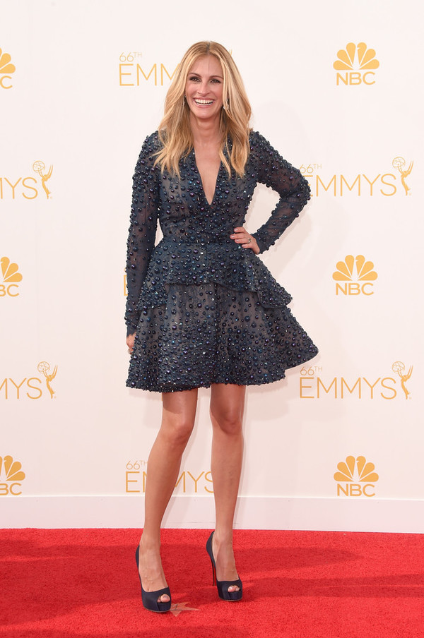 dress julia roberts emmys 2014