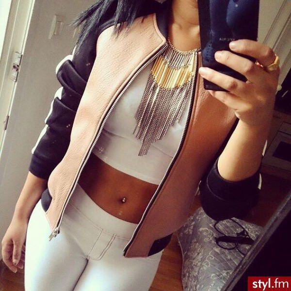 jacket jeans jewels top neacklace jewelry leggings nude leather jacket black