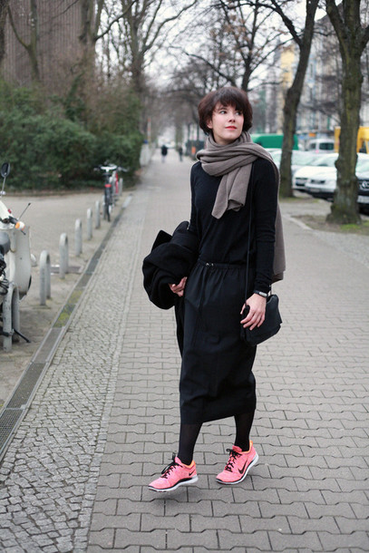che cosa blogger skirt bag coat scarf sweater shoes