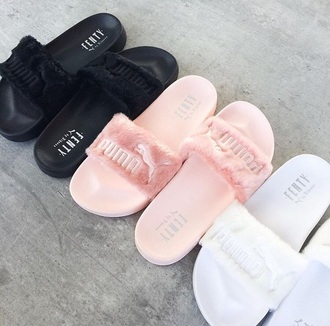 shoes flats flip-flops puma pink fluffy fluffy flip flops black flat sandals sandals puma pink fur faux fur white white shoes pink shoes black shoes slide shoes style chci summer puma fenty slippers girl girly girly wishlist puma x rihanna tumblr fur slides rihanna pumas fur puma slides