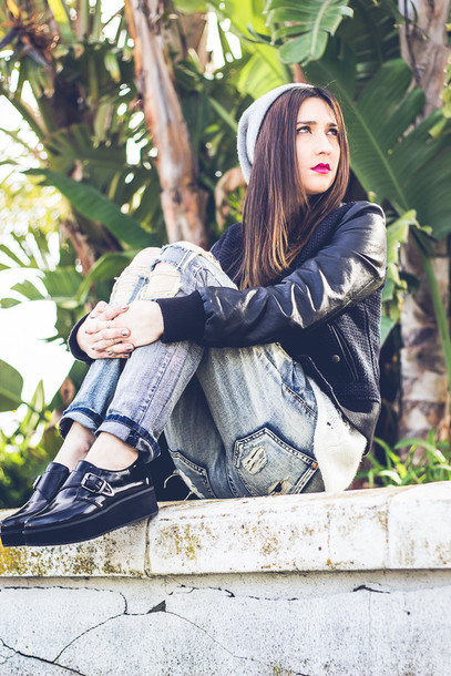 shoes and basics blogger ripped jeans baseball jacket black shoes
