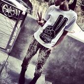 pants,zendaya,leopard print,black,grey,t-shirt