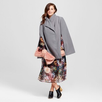 thecurvyfashionista blogger dress t-shirt grey coat midi dress furry bag clogs