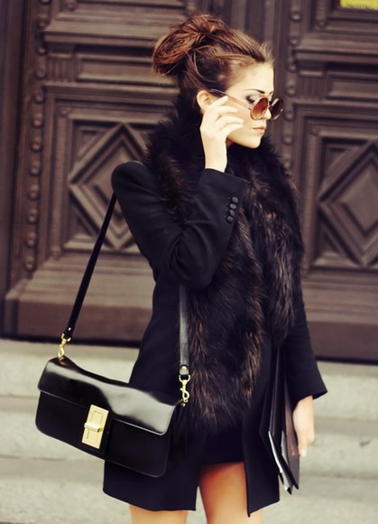 black handbag coat fur chic