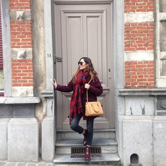 sofya benzakour knidel lifestyle blogger tartan scarf blanket scarf
