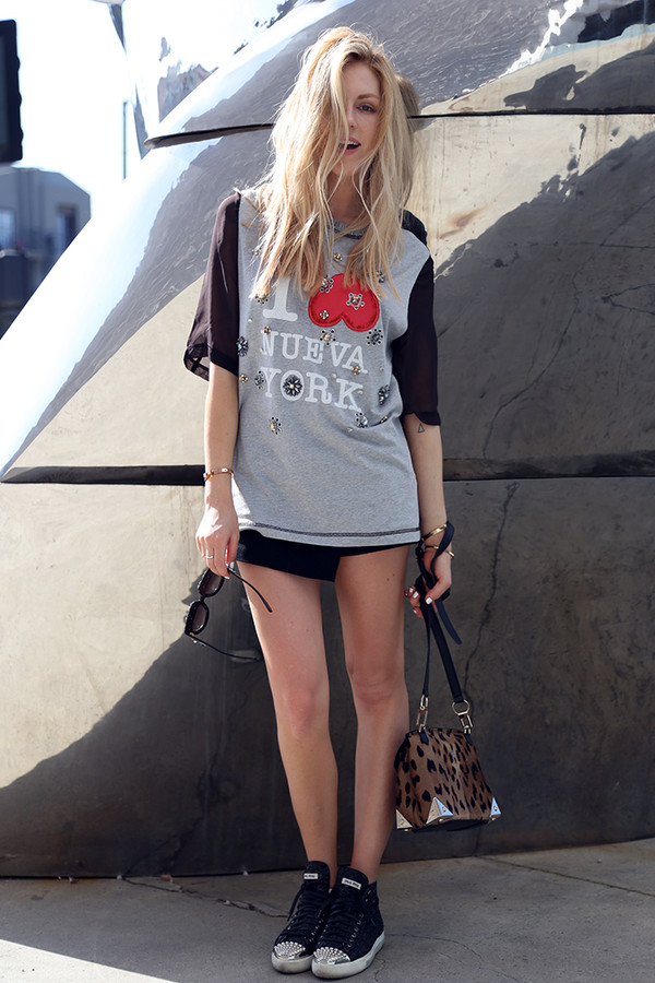 cheyenne meets chanel t-shirt shorts shoes bag sunglasses