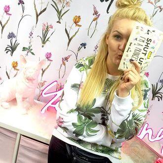 make-up yeah bunny makeup bag bag cute crown princess cosmetics bag shut up im a princess