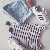 shorts,levi's shorts,shirt,shoes,sunglasses,top,stripes,black and white,i want this out fit,t-shirt,stripped,casual,outfit,striped shirt,adidas,nice,winter outfits,short,mariniere,stan smith,denim,jeans,delave,fashion,grunge,converse,hipster,wow,make-up,jewels,High waisted shorts,adidas shoes,adidas originals,summer outfits