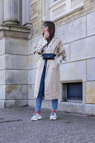 coat trench coat bag belt bag blue jeans sneakers camel coat black bag polka dots jeans