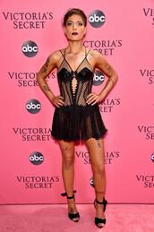 dress,lace,lace dress,sexy dress,sexy,halsey,celebrity
