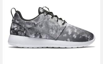shoes nike roshe run cherry blossom low top sneakers grey sneakers nike