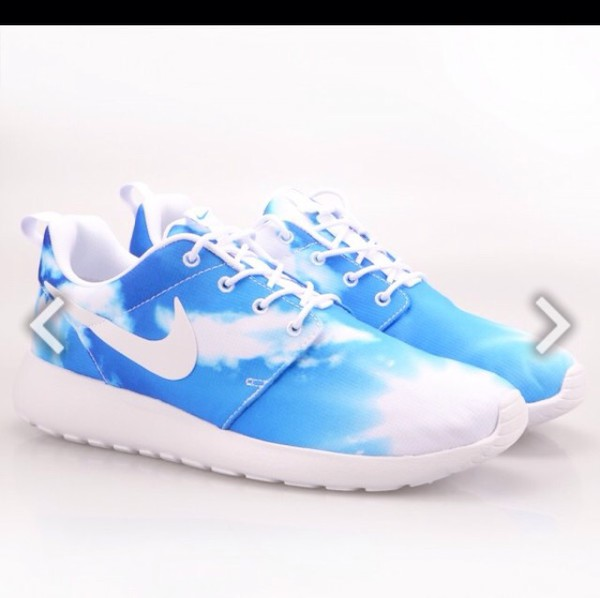 f0e5150e44e77 ... santa monica pack 4a72f 4c6f8 amazon shoes nike nike roshe run nike run  women nike shoes print nike roshe nike roshe ...