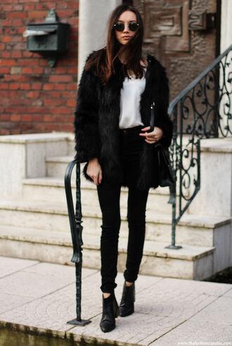 the fashion cuisine blogger faux fur coat winter coat black coat skinny jeans black jeans chelsea boots coat tank top jeans shoes bag jewels