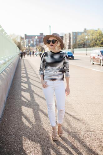 poor little it girl blogger t-shirt jeans shoes jewels hat