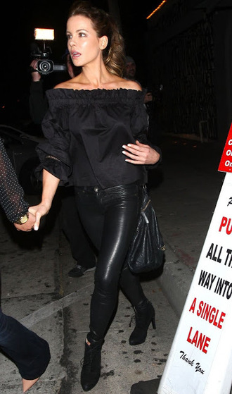 blouse all black everything off the shoulder kate beckinsale ankle boots pants leather pants leather leggings