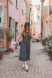 hat,black hat,stripes,shoes,bag,jumpsuit,flowers