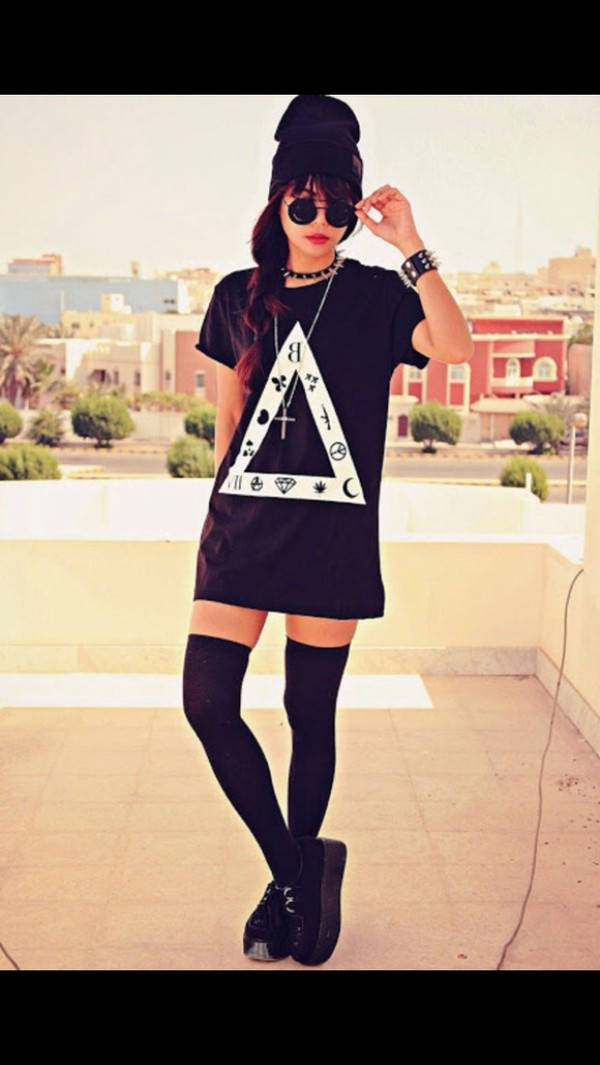 shirt black hippie grunge triangle symbols trendy