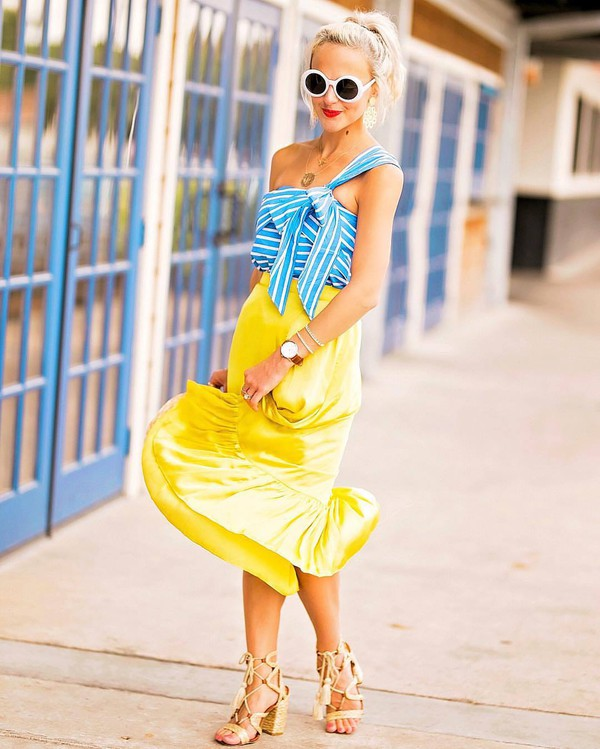 top blue top skirt yellow skirt