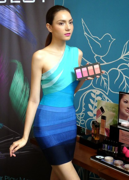 love fashion style model beautiful stunning evening dress dress party lovely blue colors cool dope blue dress help me pls amazing trendy stylish want want want adore fabulous chic yolo dressing