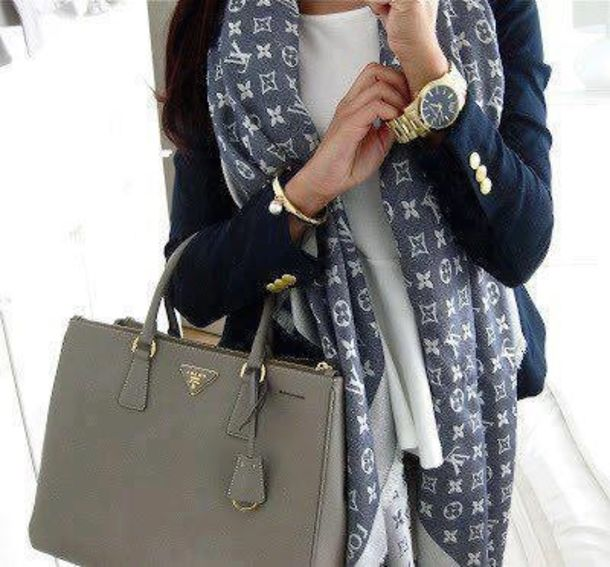 Lv scarf celebrity gray color