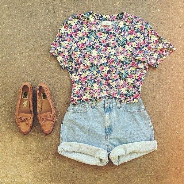 shirt shorts t-shirt floral shoes cute floral shirts summer pretty printed t-shirt bikini floral tank top high heels black dress top white dress crop tops sunglasses make-up jeans boots High waisted shorts denim shorts blue jean shorts floral top