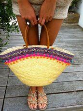 bag,pompom bag,pom poms,basket bag,pompom basket bag,beach bag,basket tote,beige flat sandals,beige flats
