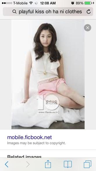 blouse white blouse pink shorts