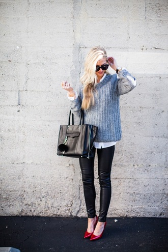 elle apparel blogger sweater leggings shoes bag sunglasses