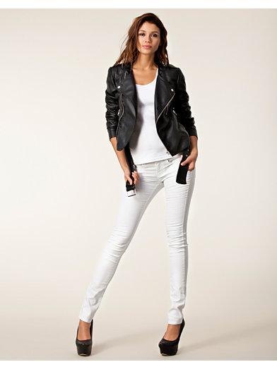 trend tøjbutik