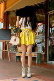 yellow skirt,skirt