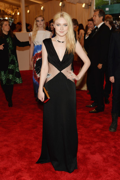 dress dakota fanning
