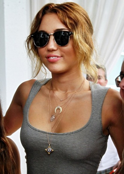miley cyrus jewels necklace