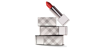 temporary secretary blogger make-up red lipstick burberry