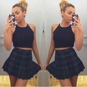 skirt,plaid skirt,plaid,cute,style,aa,american apparel,curly hair,bun,messy bun,black,shirt,crop tops,crop