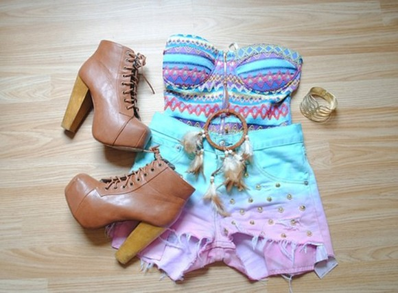 shorts jewlery studs shirt colorful patterns frayed shorts vintage dip dye shorts aztec studded shorts high heels brown platform dream catcher neacklace