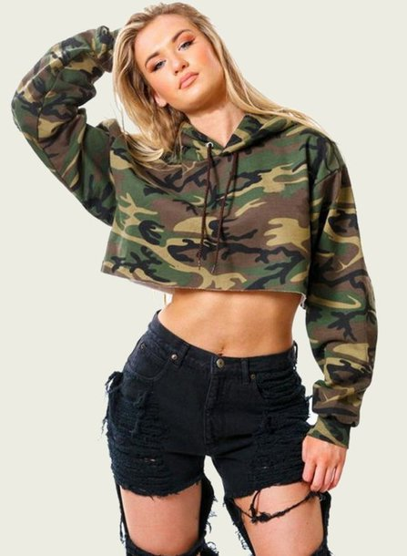 top crop cropped cropped hoodie green army green military style olive green camouflage camouflage top camo top urban loose oversized long sleeves casual casual top women casual preppy casual gym fit sportswear sportswear hoodie jeans top cotton sexy fashionista cute cute top moraki cropped sweater military style camouflage streetstyle streetwear street oversized sweater work outfits gym clothes fashion