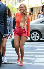 top,long sleeves,shorts,leather shorts,pumps,beyonce
