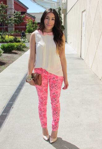 jeans floral floral pants floral print pants pants pink pink pants shirt blouse