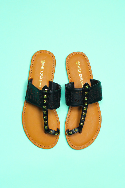 Cutout Toe Ring Sandals | uoionline.com: Women's Clothing Boutique