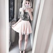 blouse,kawaii,kawaii dark,kawaii grunge,grunge,soft grunge,pale grunge,pale,cute,pastel,pastel pink,light pink,baby pink,pretty,monochrome,greyscale,skirt,phone cover